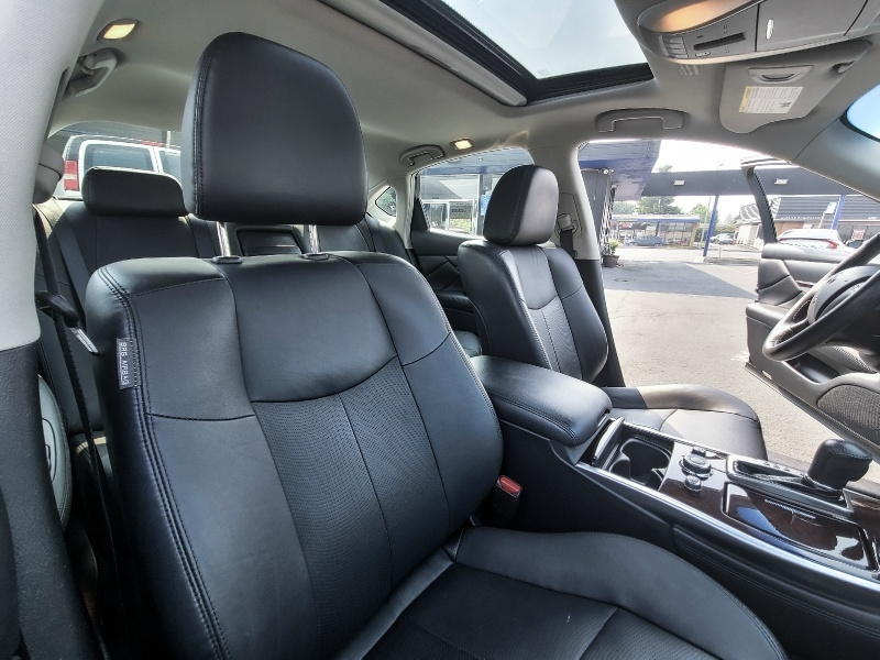 Infiniti Q70 2018 price $23,880