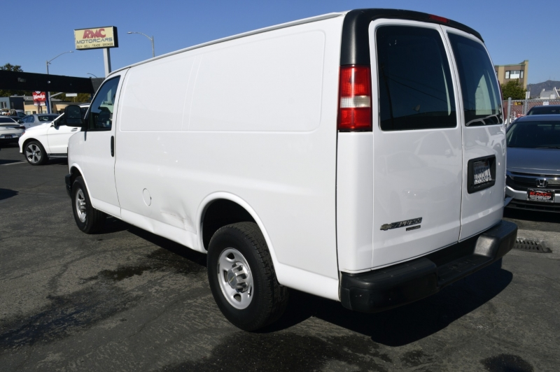 Chevrolet Express Cargo Van 2013 price $12,770