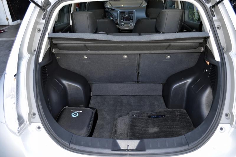 Nissan LEAF 2017 price $9,990