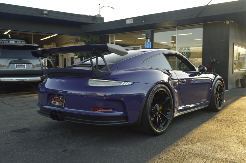 Porsche 911 2016 price $159,990