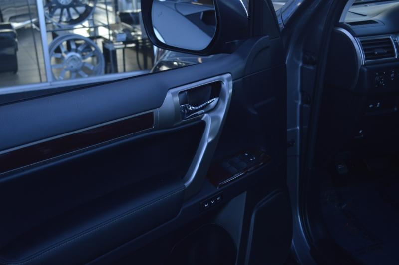 Lexus GX 2019 price $45,880