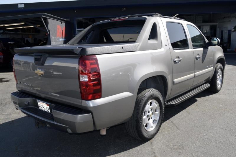 Chevrolet Avalanche 2007 price $13,990