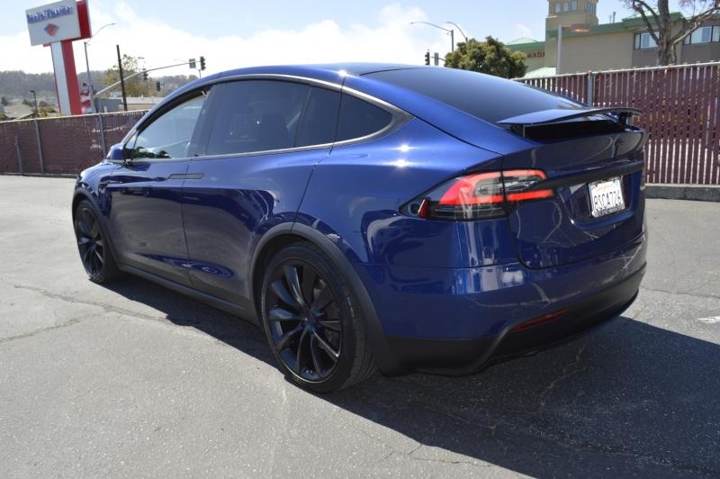 Tesla Model X 2017 price $57,880