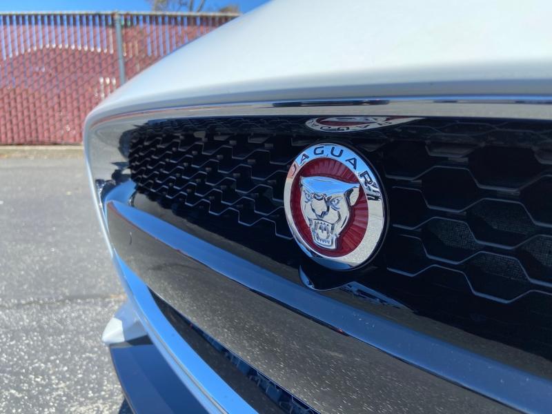 Jaguar F-TYPE 2015 price $62,990