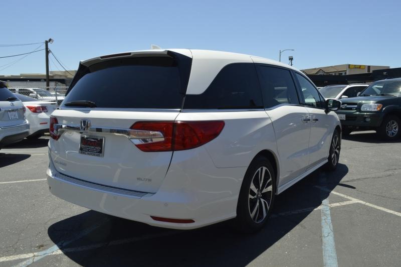 Honda Odyssey 2018 price $43,990