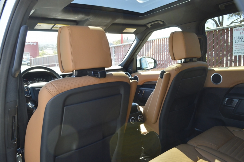 Land Rover Discovery 2018 price $52,990