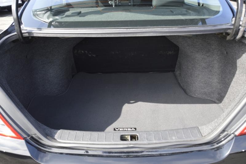 Nissan Versa 2015 price $9,990