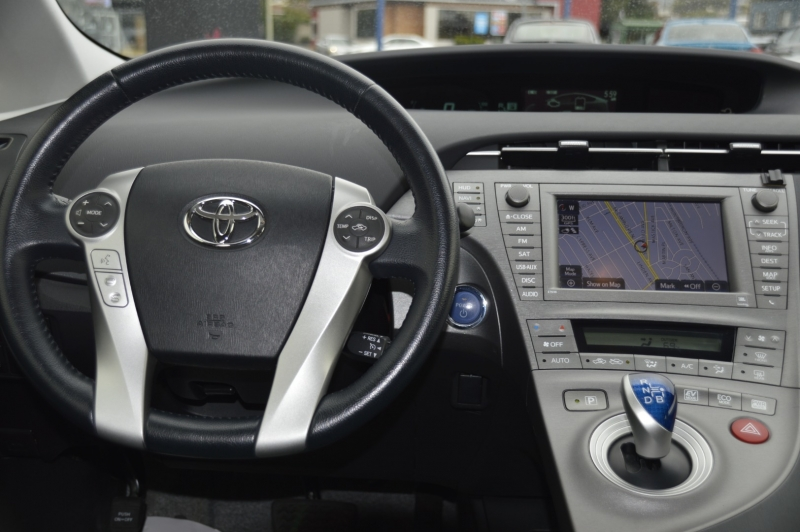 Toyota Prius 2013 price $15,880