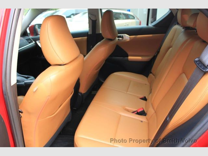 Lexus CT 200h 2013 price $10,977