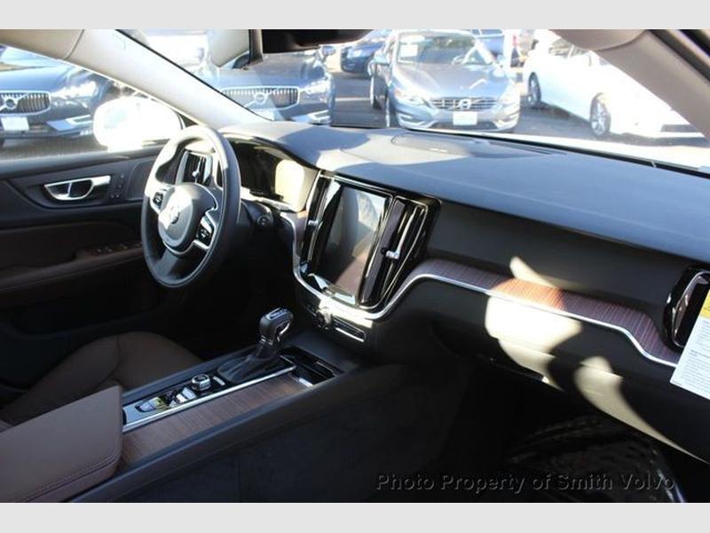 Volvo V60 2020 price $39,970