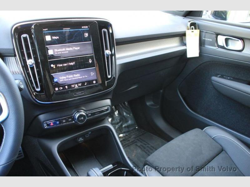 Volvo XC40 2021 price $59,630