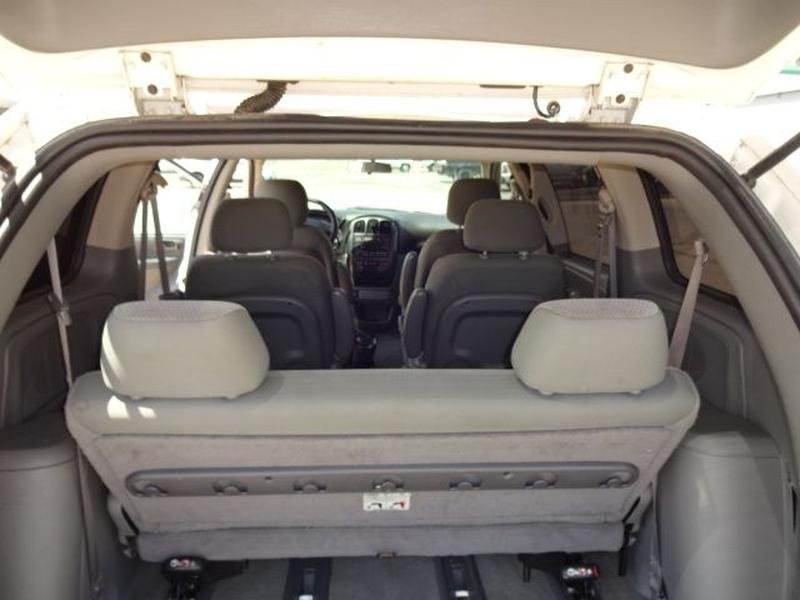 DODGE CARAVAN 2006 price $1,200 Down