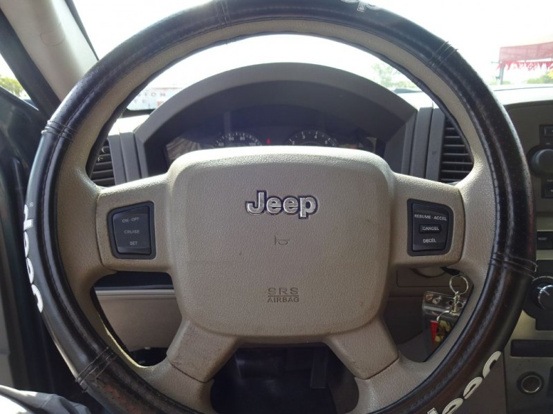 JEEP GRAND CHEROKEE 2005 price $1,200 Down