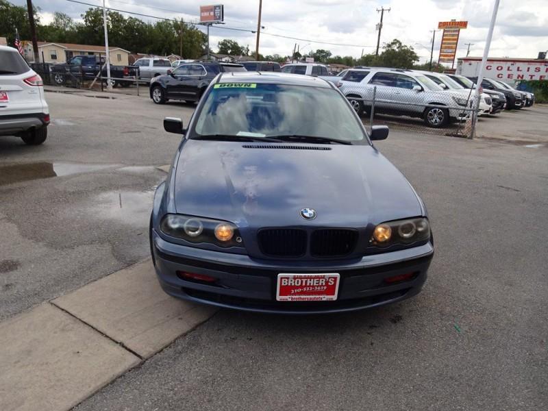 BMW 325 2001 price $1,200 Down