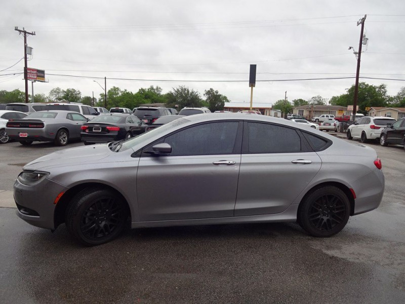 CHRYSLER 200 2015 price $1,200 Down