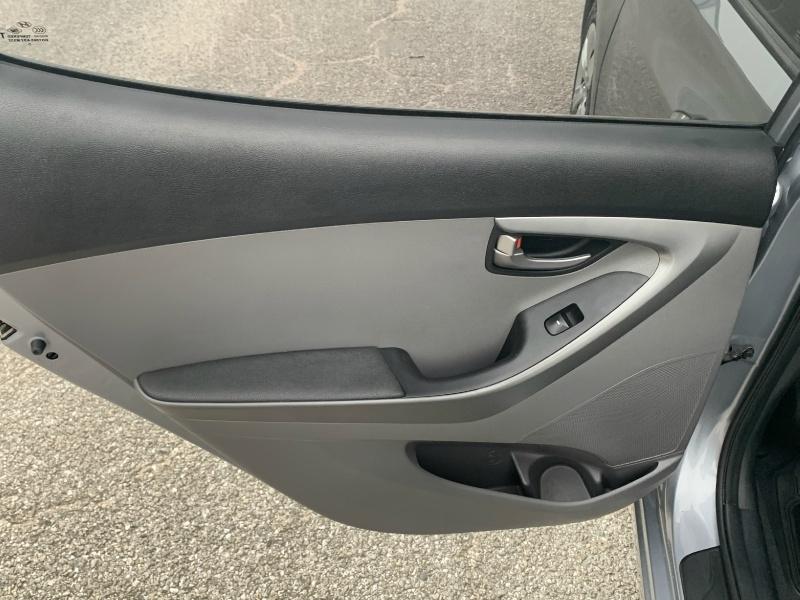 Hyundai Elantra 2016 price $8,300