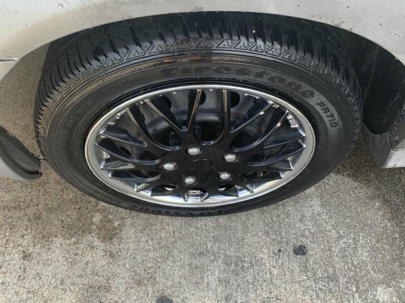 Pontiac Vibe 2007 price $1,800
