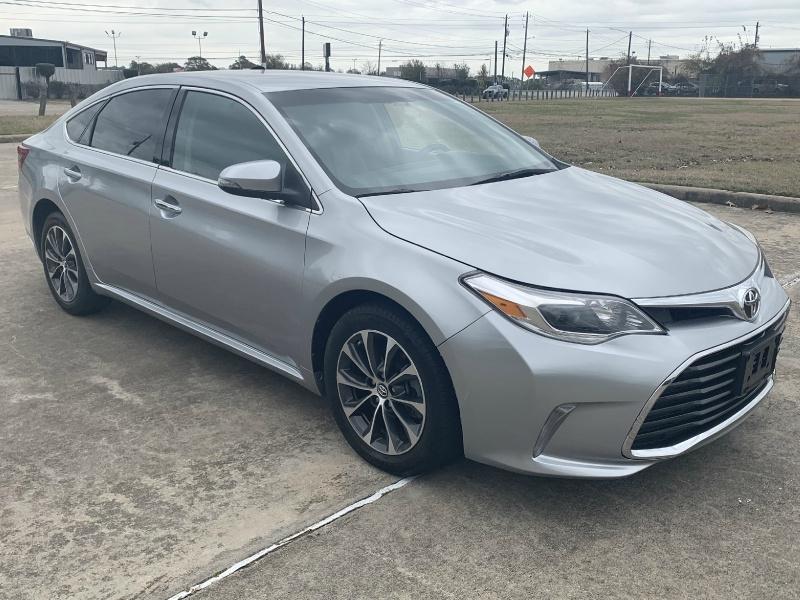 Toyota Avalon 2016 price $15,500