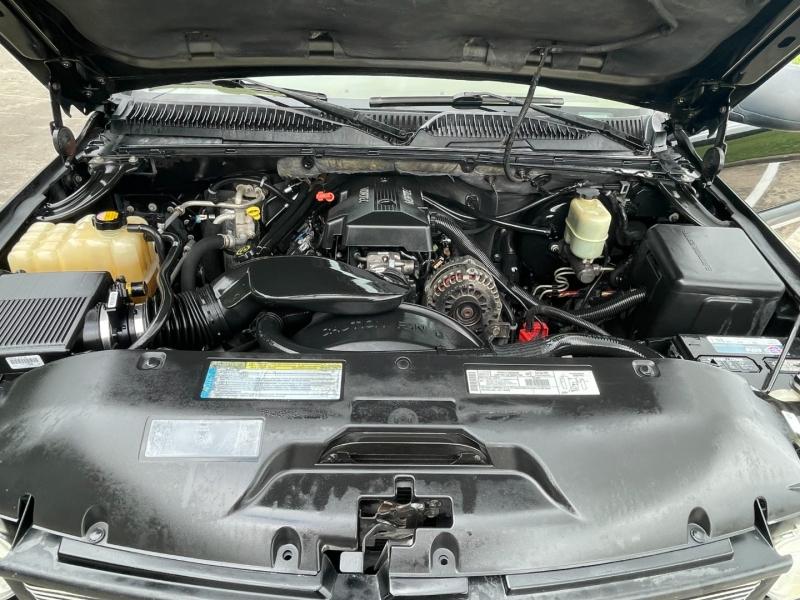 Chevrolet New Tahoe 2000 price $3,500
