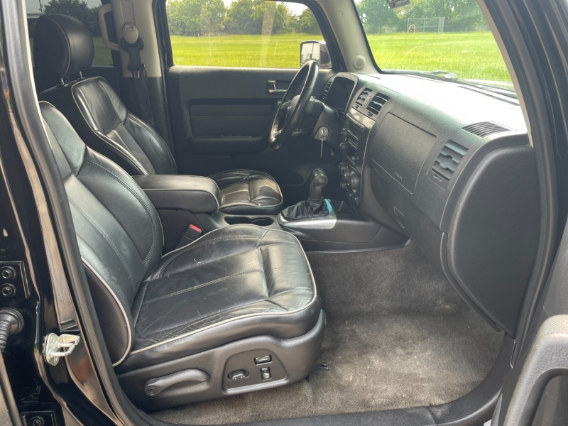 Hummer H3 2007 price $8,300