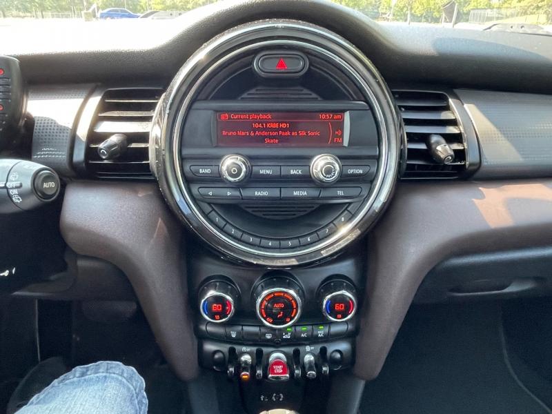 Mini Cooper Hardtop 2015 price $11,500