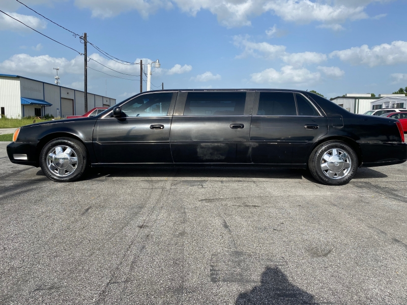 Cadillac DTS Professional 2005 price $3,595