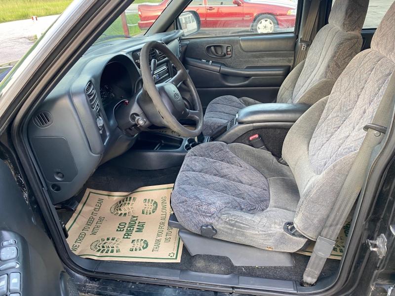 Chevrolet S-10 2001 price $3,595