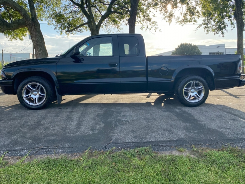 Dodge Dakota 2003 price $8,995