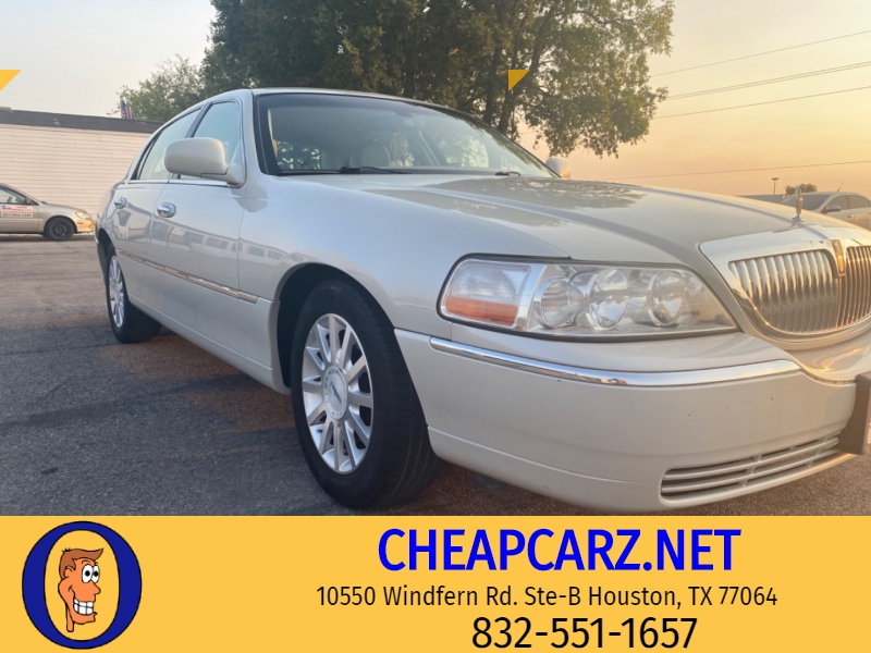 Lincoln Town Car 2007 price $4,995