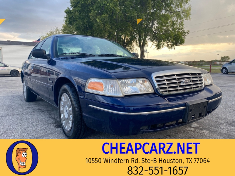 Ford Crown Victoria 2003 price $2,955