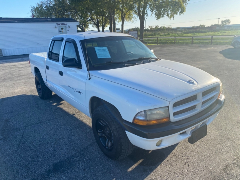 Dodge Dakota 2001 price $5,595