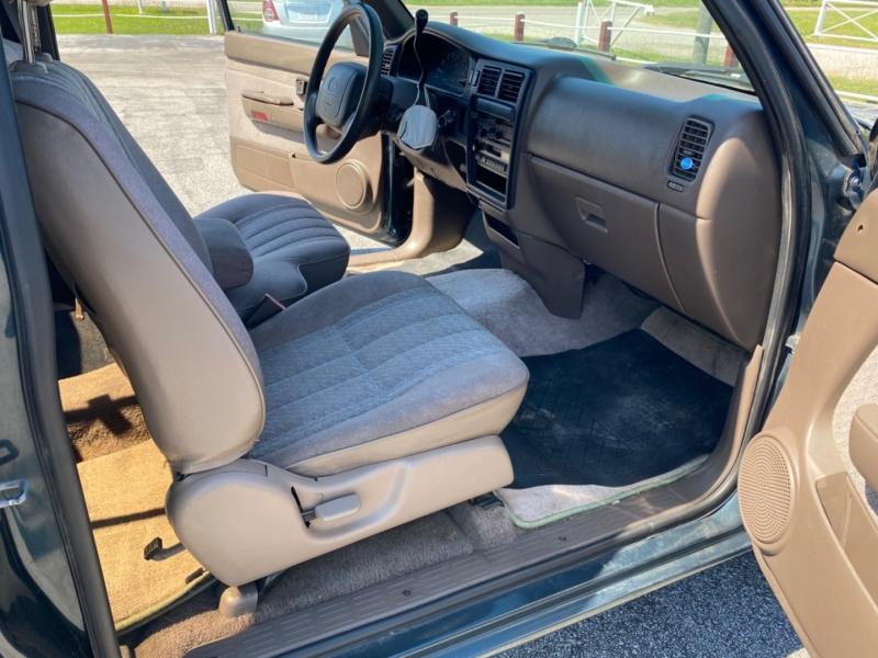 Toyota Tacoma 1997 price $4,995