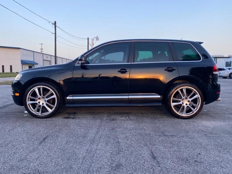 Volkswagen Touareg 2007 price $8,800