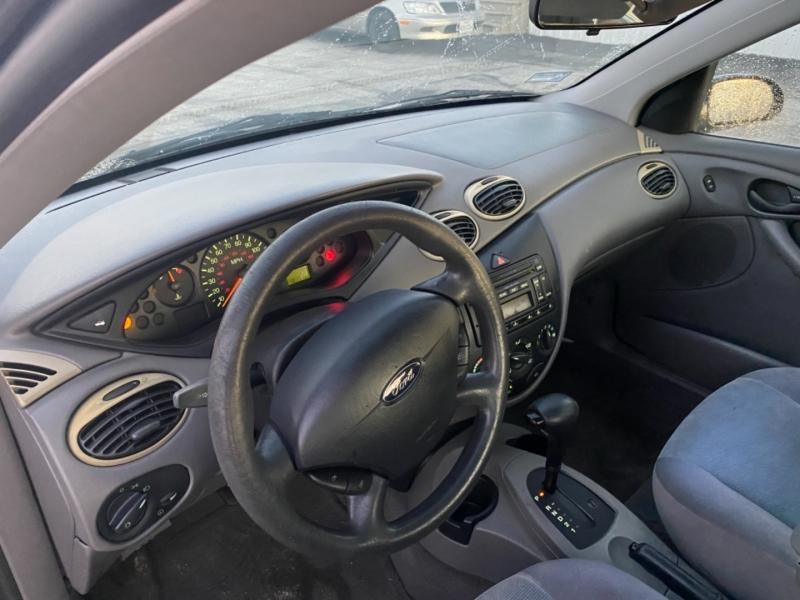 Ford Focus 2002 price $2,995
