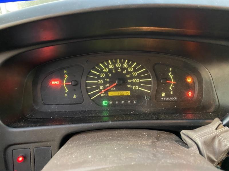 Toyota Sienna 1999 price $2,995