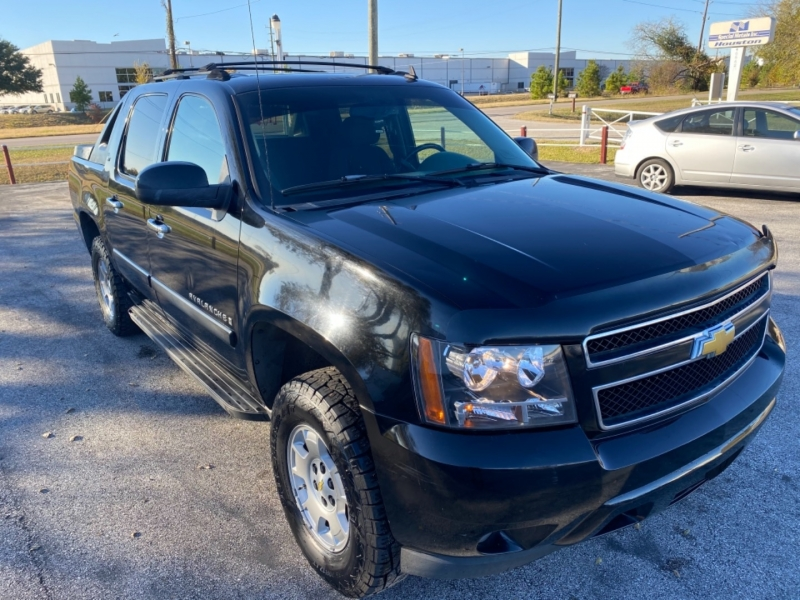 Chevrolet Avalanche 2007 price $6,955