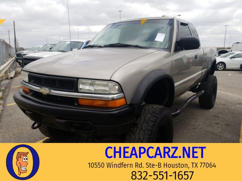 Chevrolet S-10 2002 price $8,995