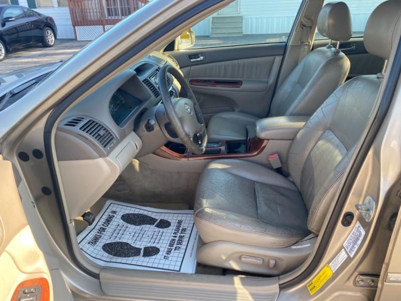 Toyota Camry 2002 price $3,595
