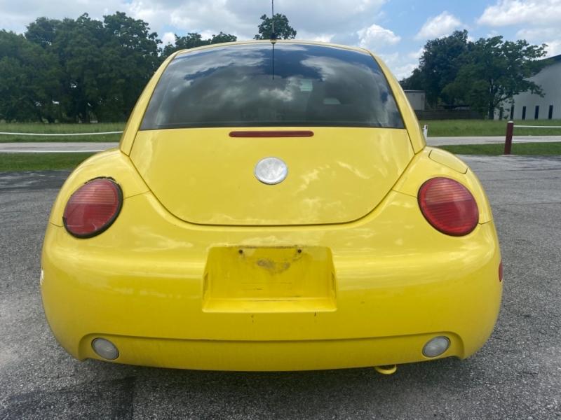 Volkswagen New Beetle 2002 price $3,995
