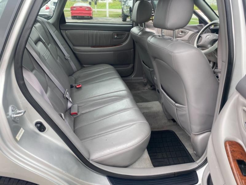 Toyota Avalon 2002 price $3,900