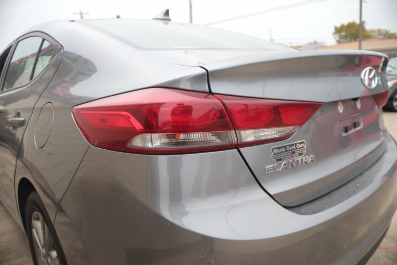 Hyundai Elantra 2018 price $17,995