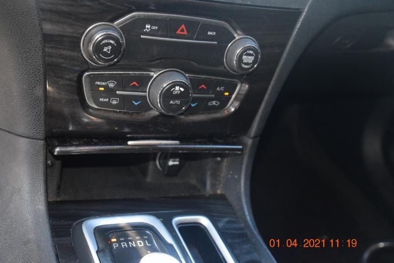 Chrysler 300 2016 price $15,995