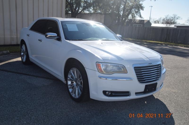 Chrysler 300 2011 price $13,995