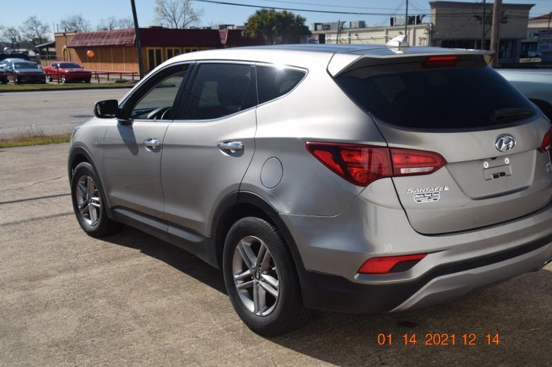 Hyundai Santa Fe Sport 2017 price $19,995
