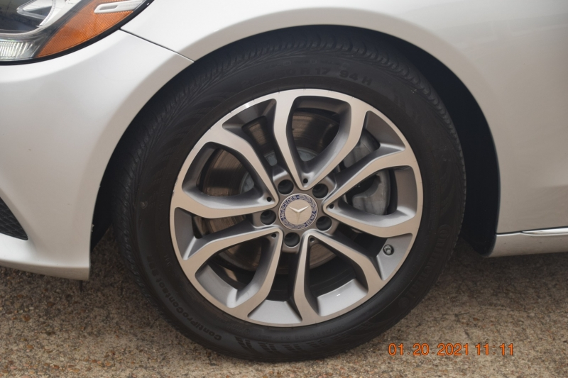 Mercedes-Benz C-Class 2017 price $25,995