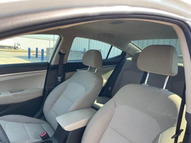Hyundai Elantra 2019 price $21,995
