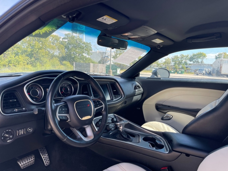 Dodge Challenger 2015 price $25,995