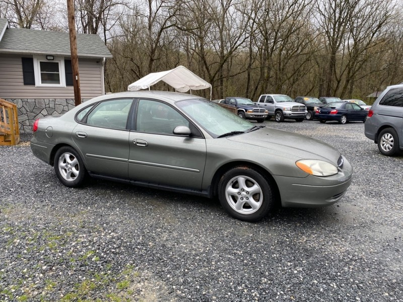 Ford TAURUS 2003 price $2,995