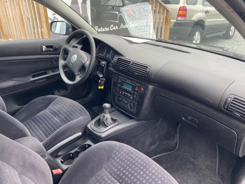 Volkswagen PASSAT 2003 price $3,295