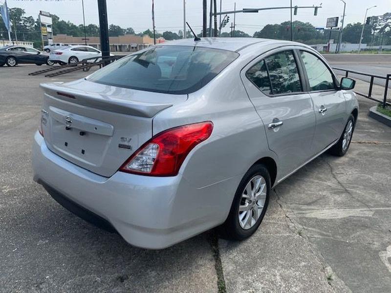 Nissan Versa Sedan 2018 price $10,990